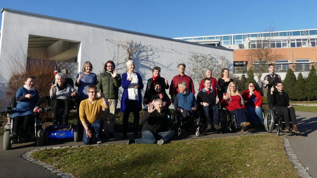Foto von den Referent*innen beim Präsenzmodul 2 im Februar 2019 mit Reni Berg in Lobbach.
